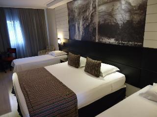 Faro Hotel Taubate, Avenida Assis Chateaubriand.…