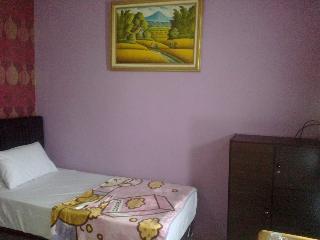 K77 Guest House, Jl Seto No 6b,