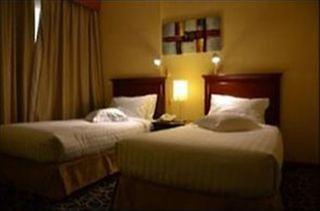 Richmond Greens Hotel - Zimmer