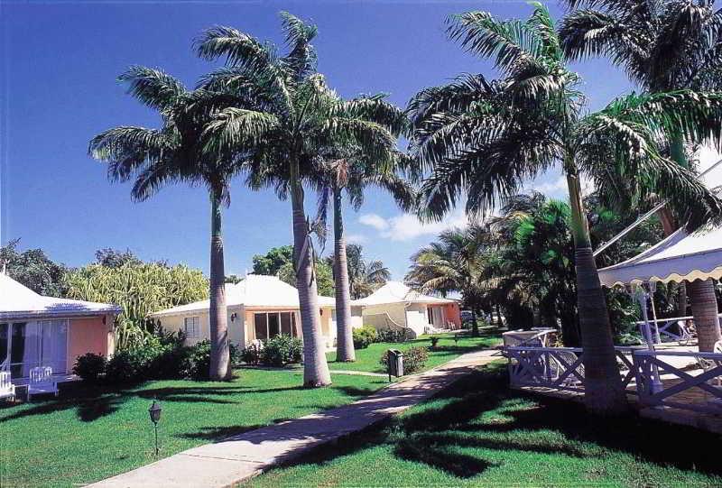 Golf Village Hotel, 96, Les Hauts De Saint-francois,