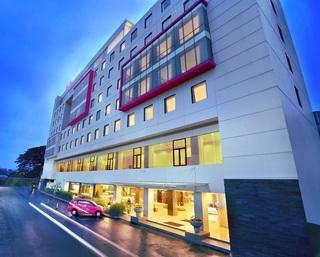 Favehotel Hyper Square…, Paskal Hyper Square Jl. Pasir…