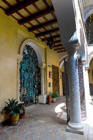 Palacio de los Granados, C/ Emilio Castelar,42