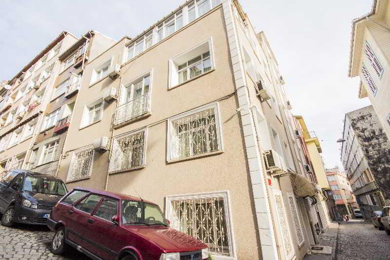 Feyza Apartments