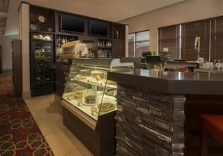 Four Points by Sheraton Winnipeg International Air