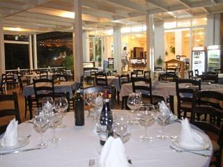 Grand Hotel, Rruga Sarande Butrint,
