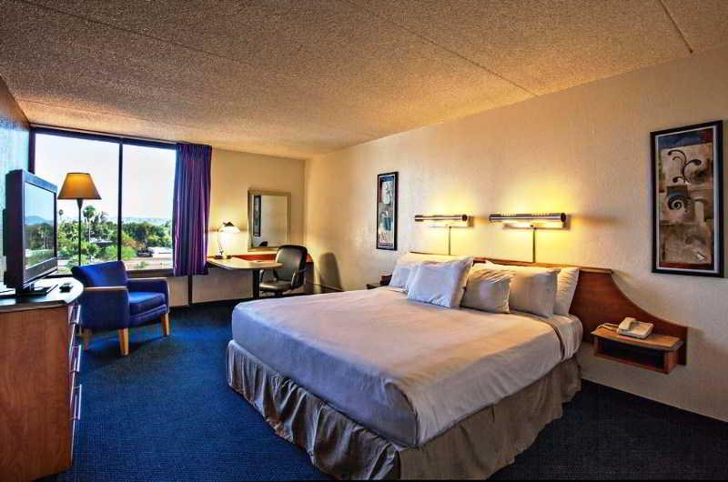 Hotel 502