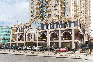 Ark Palace, Genuezskaya / 1b,