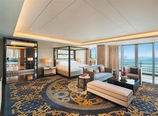 Sheraton Zhuhai Hotel, 1663 Yin Wan Road, Wanzai,