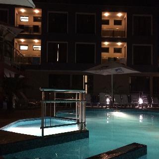 Tm Deluxe - Pool