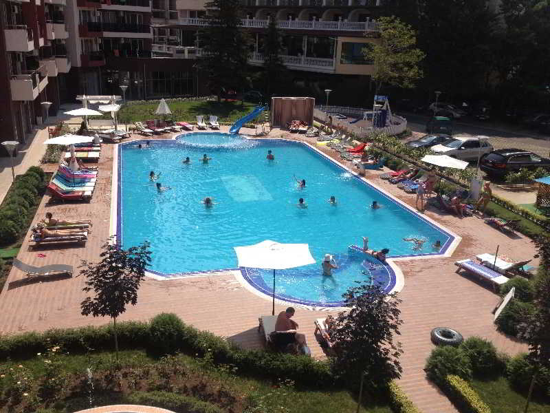 Persey Admiral Plaza Apartments - Pool