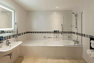 Hampton By Hilton Gatwick North
