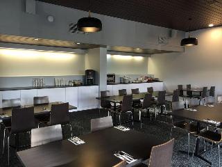 Commodore Regent Hotel, 13 Brisbane Street,