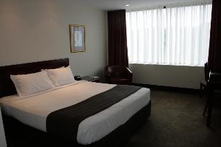 Fountainside Hotel, 40 Brooker Avenue,