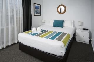 The Beach Motel Hervey…, 475 Charlton Esplanade, Torquay,