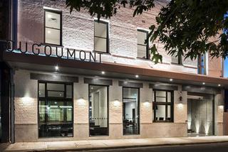 Hougoumont Hotel
