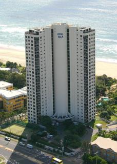 Royal Palm Resort, 973 Gold Coast Highway,