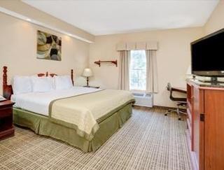 Baymont Inn & Suites Jacksonville