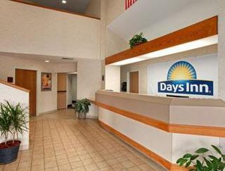 Days Inn by Wyndham Olathe Medical Center