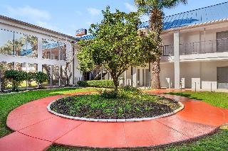 Howard Johnson Inn And Suites Central San Antonio