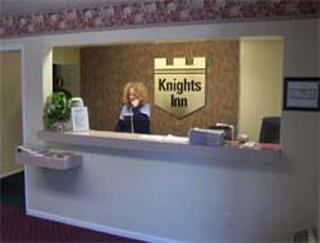 Knights Inn New Philadelphia