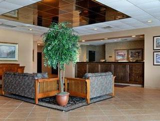 Gananoque Hotels:Ramada Watertown