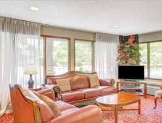 Book Days Inn & Suites Peachtree City Atlanta - image 0