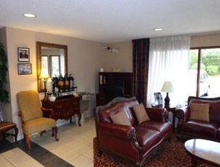 Book Days Inn & Suites Peachtree City Atlanta - image 3