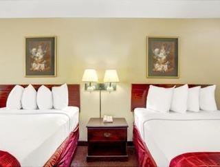 Book Days Inn & Suites Peachtree City Atlanta - image 14