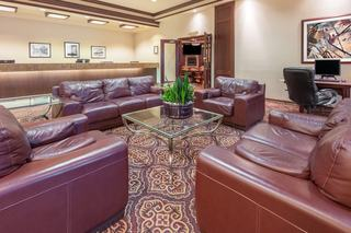 Calgary Hotels:Ramada Plaza Calgary Airport Hotel and Conference