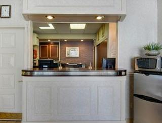 Travelodge Inn And Suites Latham