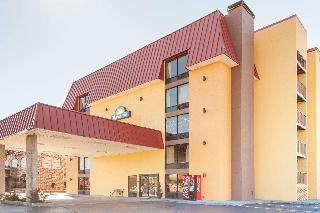 Days Inn & Suites Pigeon Forge