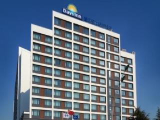 Days Inn Powerlong Qingdao, 689 Qingshan Road,