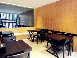 Super 8 Hotel Chongqing…, 238-1 Ren Min Road,