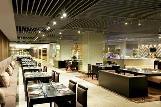 Sheraton Huangdao Hotel, Taihangshan Road, Huangdao…