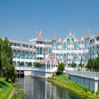 Disney`s Beach Club Villas Package