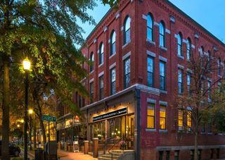 Fairfield Inn & Suites By Marriott Keene Downtown