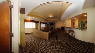Comfort Inn & Suites, 10 Mills Ave.,