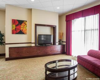 Comfort Suites, 600 Red Ink Drive,