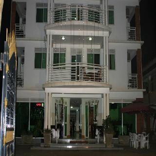 Marphie Hotel, Entebbe-kampala Road,200