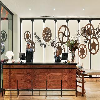 H10 cubik barrio gotico barcelona for Adagio appart hotel barcelone
