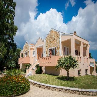 Leone Luxury Villas
