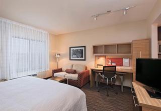 TownePlace Suites Des…, South 68th St,125