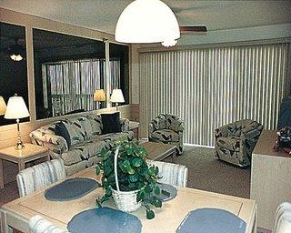 Commodore Beach Club