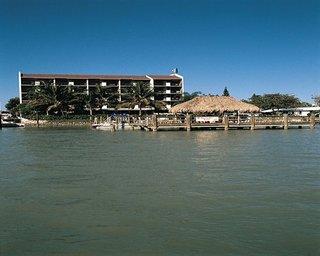 Sunrise Bay Resort And Club