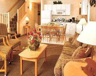 Suites At Attitash Mountain Village