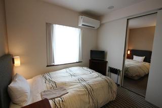 Uozu Manten Hotel Ekimae, 1-14-8 Shakado,