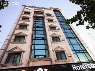 Riverside Cozy Hotel, 71-22 Samcheon-dong Chuncheon-si…