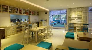 Vio Cimanuk Hotel, Jl. Cimanuk 15, Bandung 40115…