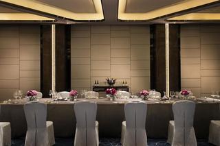 JW Marriott Hotel Shenzhen…, No. 8 Baoxing Road, Bao'an…