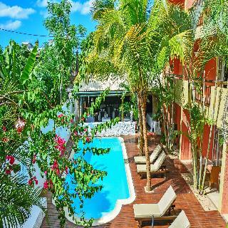 La Margarita Hotel, Royal Road Grande Pointe…